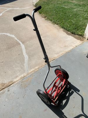 Manual push lawn mower for Sale in San Diego, CA