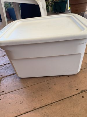 Plastic box for Sale in Alameda, CA