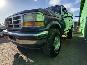 93 Ford Bronco XLT for Sale in Phoenix, AZ