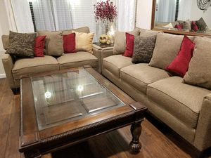 LIVING ROOM SET - Love Seat + Couch + Coffee Table + End Tables for Sale in Chula Vista, CA