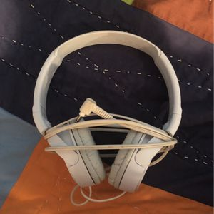 White Sony Headphones for Sale in Ashland, MA
