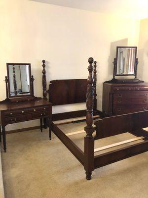 Antique carved bedroom set for Sale in Naperville, IL