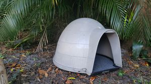 Petmate Kitty Kat Condo Outdoor Cat House for Sale in Orlando, FL