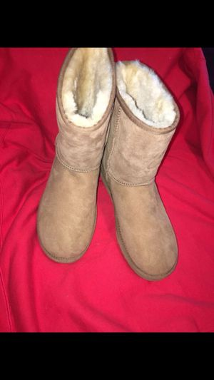 UGG CLASSIC SHORT II BOOT SIZE 9 BRAND NEW!! for Sale in South Gate, CA