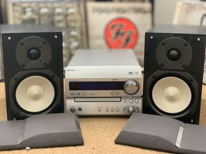 Onkyo DR-UN7 CD/DVD/AM-FM Bookshelf system w/remote. for Sale in San Leandro, CA