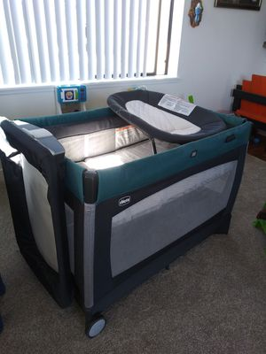 Chicco Lullaby Pack N Play for Sale in Fremont, CA