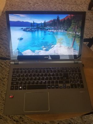 Acer aspire 5. Touchscreen. Fast. Has crack in screen. for Sale in Fort Myers Beach, FL