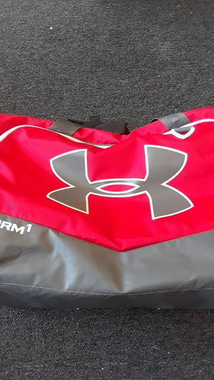 X storm under armor duffle bag for Sale in Vallejo, CA