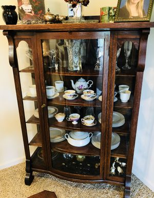 Empire Antique Oak China Cabinet for Sale in Olmsted Falls, OH