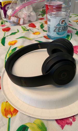 Beats Solo 3 headphones for Sale in Old Bridge Township, NJ