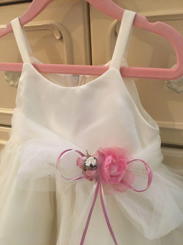 Elegant white Lace Baby dress. 12 -18 month