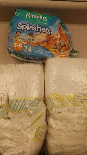 Pampers Dipers in size 3 for Sale in Atlanta, GA