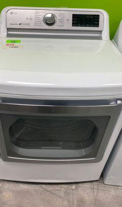 LG DLE7300WE dryer 🤯🤯🤯 4 9BR for Sale in Glendora,  CA