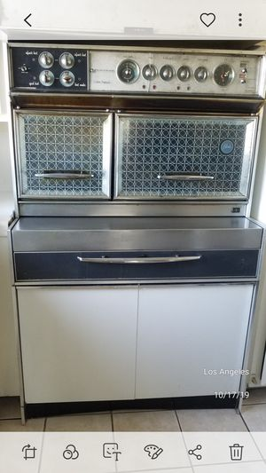 Vintage working oven for Sale in Los Angeles, CA