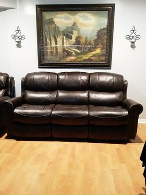 Leather couch for Sale in La Puente, CA