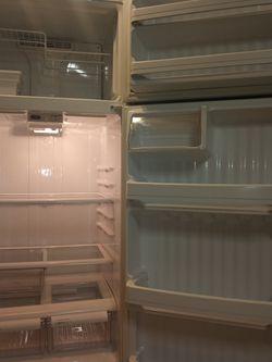 GE Refrigerator for Sale in Citrus Springs,  FL