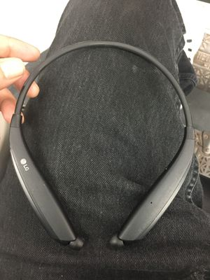 LG Tone Ultra HBS-830 Bluetooth Wireless Stereo Headset with Bluetooth Tracking for Sale in Chicago, IL