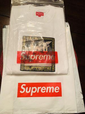 Men's Supreme Shirt (L) for Sale in Stockton, CA