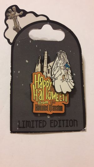 Disney World LE pin of 2000 Happy Halloween from Haunted Mansion the Bride for Sale in Fort Lauderdale, FL