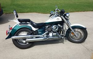 Yamaha V-star motorcycle for Sale in Sheffield, OH