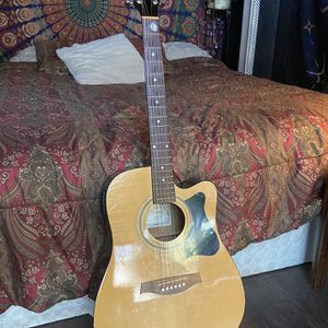 Ibanez, V70CE, Tan-wood/Dark-wood, 3 ft Tall for Sale in Austin, TX