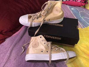 New converse girl shoes size 6 still with box for Sale in Pflugerville, TX