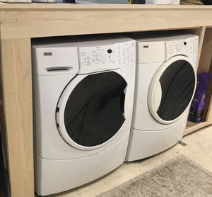 Kenmore front loading washer and dryer including pedestals too for Sale in Portland, OR