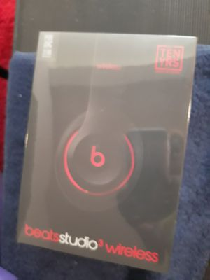 Beats Studio3 Wireless Over-Ear Headphones - The Beats Decade Collection - Defiant Black-Red for Sale in Washington, DC