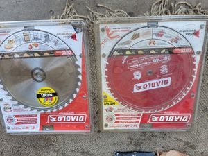 "10"" table saw blade and 10 1/4"" skill saw blades for Sale in San Diego, CA"