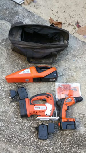 Black & Decker Fire Storm valcum jigsaw & drill with 3 batteries and 2 chargers 18 volt & 12 volt for Sale in Hawthorne, FL