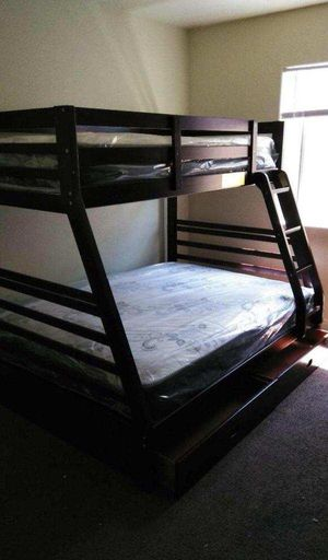 TWIN/FULL BUNK BEDS W MATTRESS INCLUDED. for Sale in Perris, CA