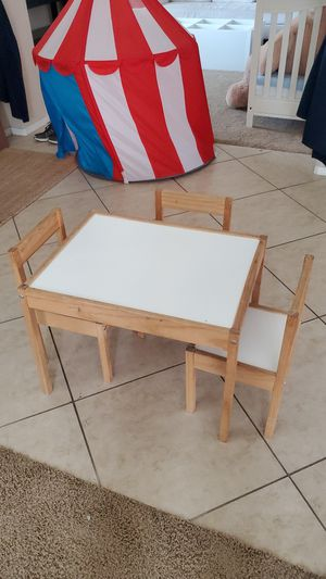 Kids table and 3 chairs for Sale in Corona, CA