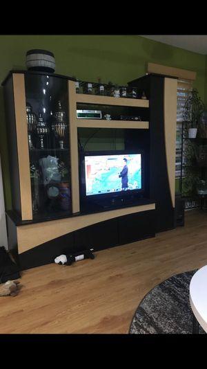 TV Unit modern black and maple for Sale in Boca Raton, FL