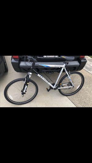 GIANT Mountain Bike for Sale in Fullerton, CA