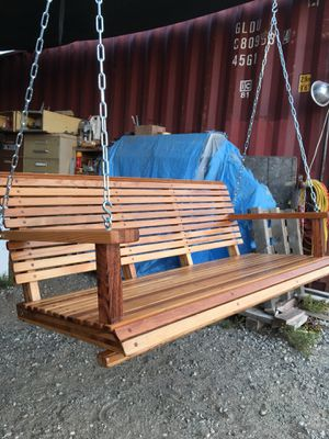 "WHITE OAK PORCH SWING TEAK OIL FINISH WITH CHAIN 50"" WIDE for Sale in Perris, CA"