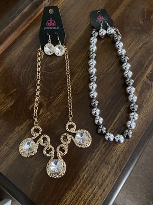 2 New Paparazzi necklaces. Never worn for Sale in Prince George, VA