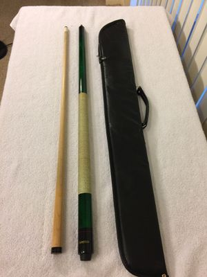"Pool 🎱 Cue & Soft Case - 19 oz Green ""Competition"" Pool Cue w/ Irish Linen Wrapped Grip for Sale in Boynton Beach, FL"
