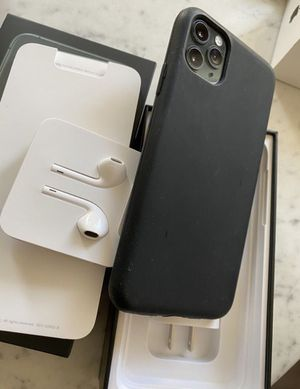 iPhone 11 pro max for Sale in Le Grand, IA