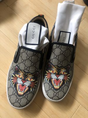 Gucci Slip Ons supreme g print for Sale in Buena Park, CA