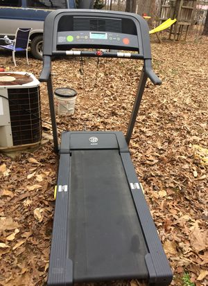 Golds gym 450 Treadmill for Sale in Summerfield, NC