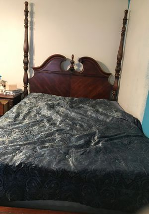 Complete bedroom set for Sale in Hemet, CA