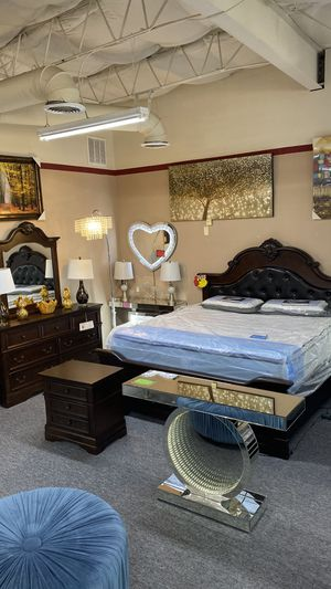 FINANCE NO CREDIT NEEDED Queen 4Pc Bedroom Set Wood and Leather 4 P for Sale in Euless, TX