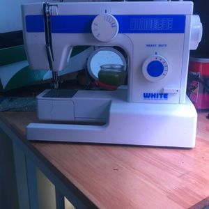 Sewing Machine for Sale in Garland, TX