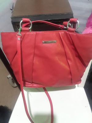 1Neiumas Marcus Green tote & 1 Red nine west handbag &1 Merona backpack $18.00 cash only (serious buyers) for Sale in Dallas, TX