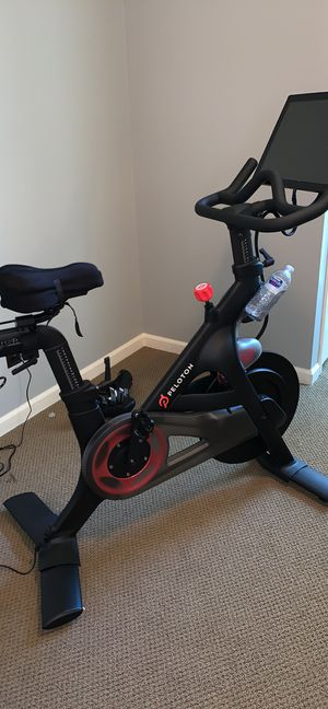 Peloton exercise cycling bike like new for Sale in Dacula, GA
