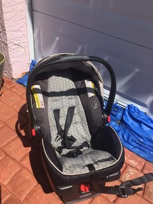 Graco, Car seat, click connect 35 snugeride/Infant only $20 -Hurry at this price it won't last!! -we located in Miami Beach off94 street and Collins for Sale in North Miami, FL