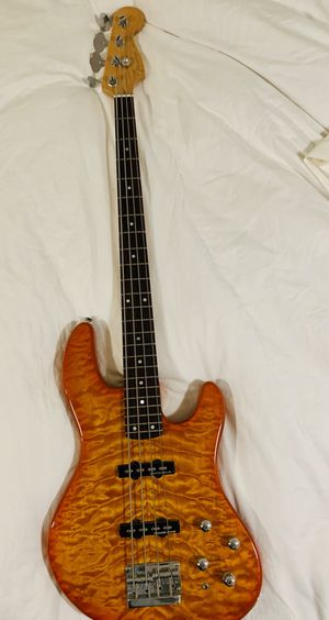 Fender jazz bass for Sale in Mukilteo, WA