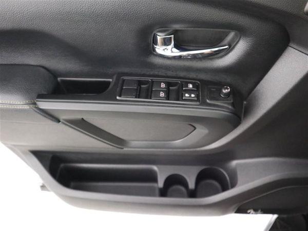 2019 Nissan Titan V8