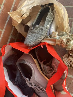 Free shoes men/women for Sale in Los Angeles, CA