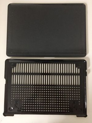 """Gray Hard Shell Protective Cover Case for MacBook Pro 17"""" for Sale in Ashburn, VA"""